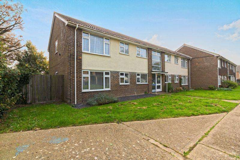 2 Bedrooms Flat for sale in Bushby Close, Lancing