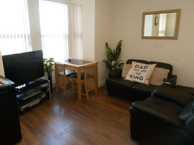 3 Bedrooms Maisonette Flat for sale in Woodville Road