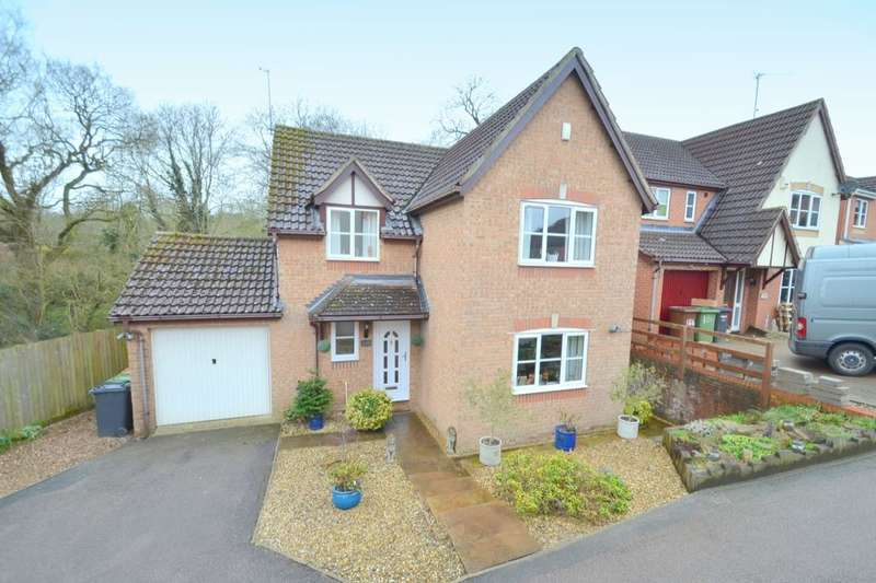 4 Bedrooms Detached House for sale in Chatsworth Drive, Wellingborough, NN8