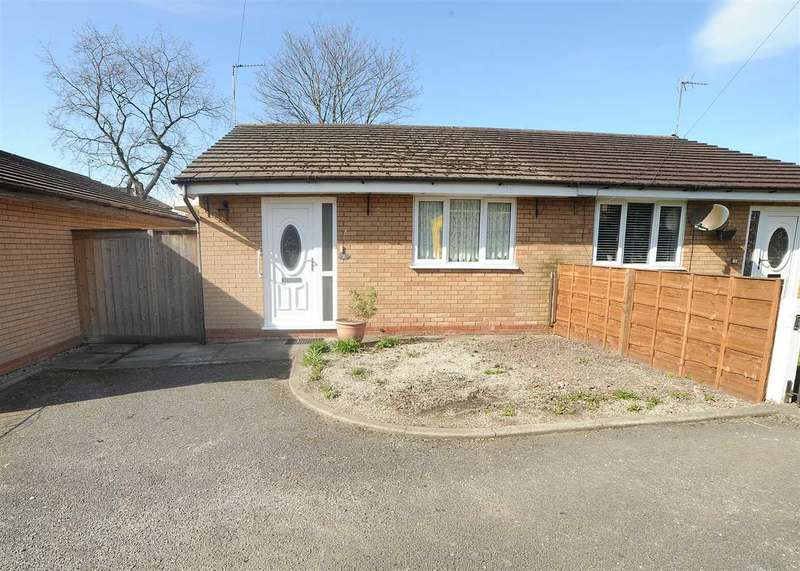 1 Bedroom Bungalow for sale in 2 Pennistone Close, Irlam M44 6HA