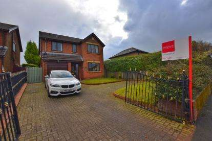 4 Bedrooms Detached House for sale in Preston Old Road, Cherry Tree, Blackburn, Lancashire