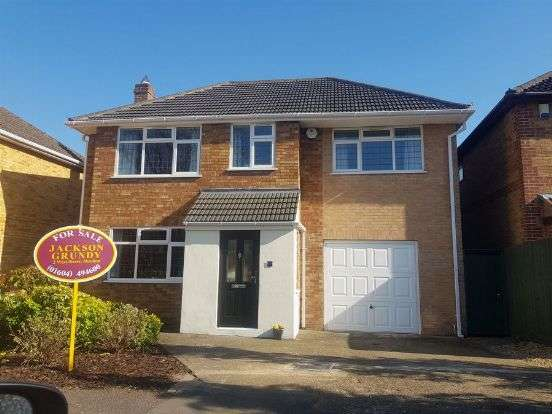 4 Bedrooms Detached House for sale in Sywell Road, Overstone, Northampton NN6 0AQ