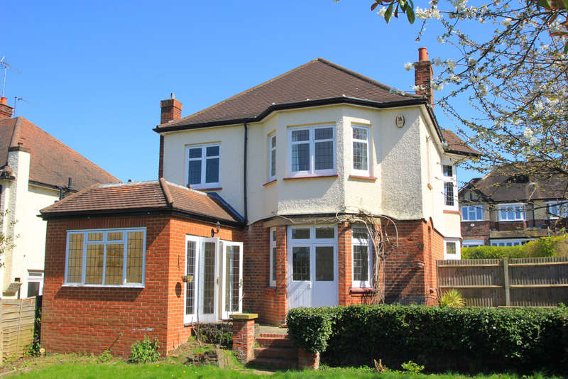 3 Bedrooms Detached House for sale in Villiers Avenue