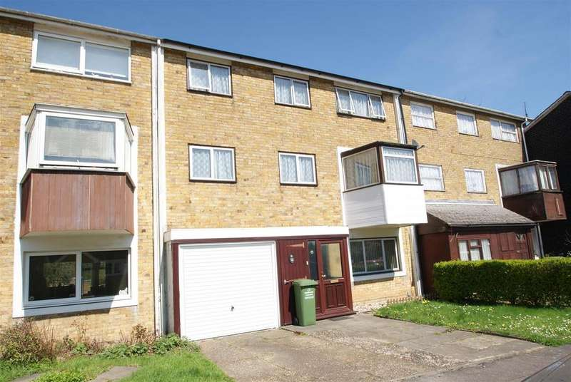 3 Bedrooms House for sale in Edgecotts, Basildon