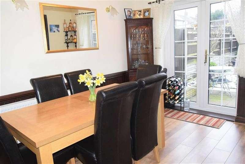 3 Bedrooms Semi Detached House for sale in Thornham Road, Rainham