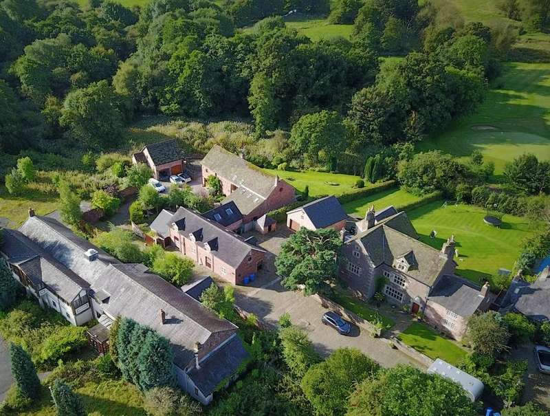 4 Bedrooms Barn Conversion Character Property for sale in Old Hall Lane, Woodford