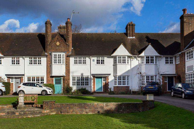 4 Bedrooms House for sale in Hampstead Way, Hampstead Garden Suburb, London, NW11