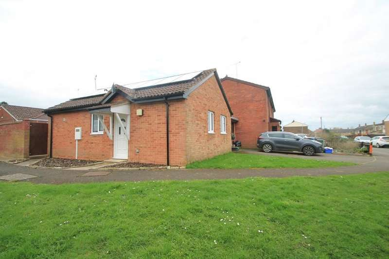 3 Bedrooms Semi Detached Bungalow for sale in Sandholme, Steeple Claydon, Buckingham