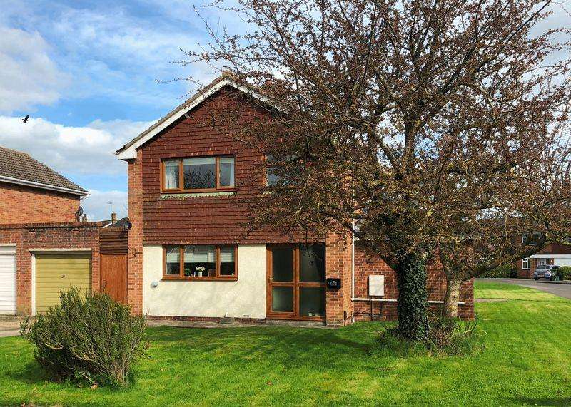 4 Bedrooms Detached House for sale in Mayfield Avenue, Wantage