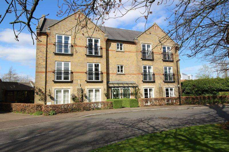2 Bedrooms Apartment Flat for sale in THE VILLAGE, CATERHAM ON THE HILL