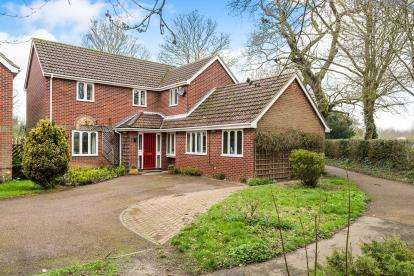 4 Bedrooms Detached House for sale in Norwich, Norfolk, .
