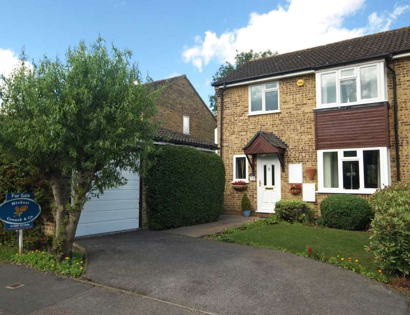 3 Bedrooms Semi Detached House for sale in Isis Avenue, Bicester