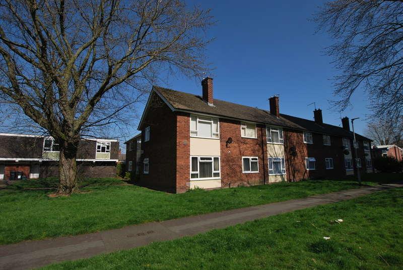 2 Bedrooms Flat for sale in John Nicholas Crescent
