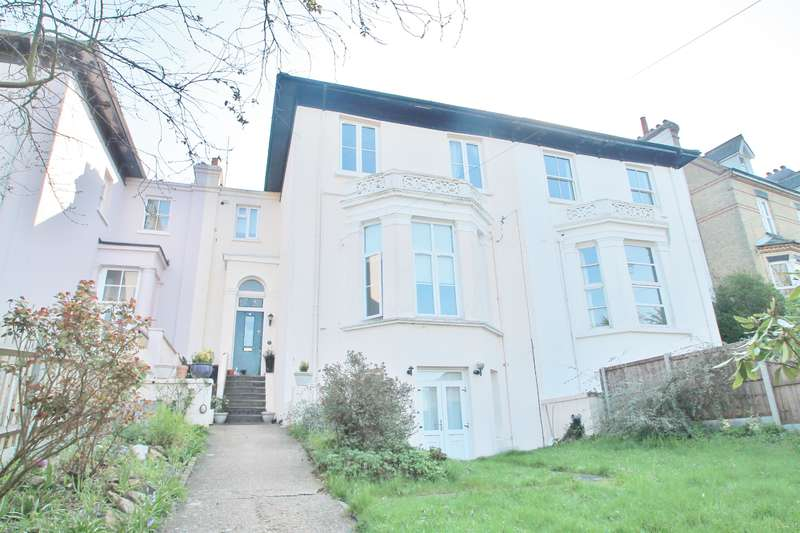 6 Bedrooms Terraced House for sale in Portland Villas , Windmill Street, Gravesend, DA12 1LQ