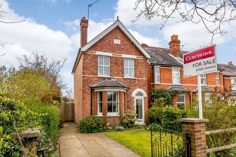 3 Bedrooms Detached House for sale in New Haw