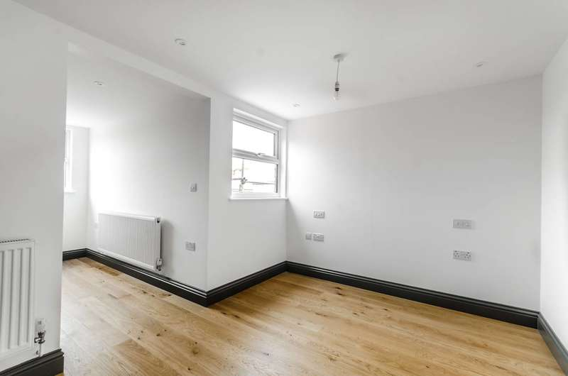 1 Bedroom Flat for sale in Buxton Gardens, Acton, W3