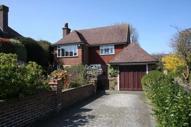 3 Bedrooms Detached House for sale in The Close, Ratton Manor, Eastbourne BN20
