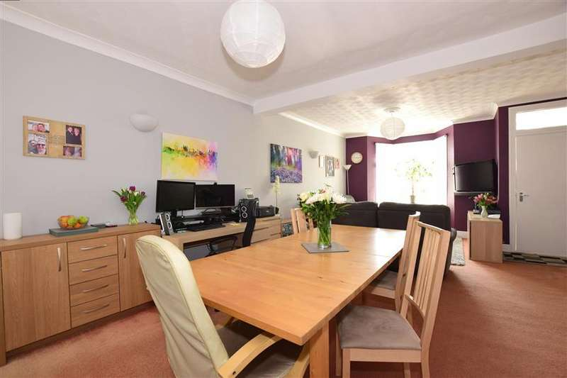 3 Bedrooms End Of Terrace House for sale in Brompton Lane, Rochester, Kent