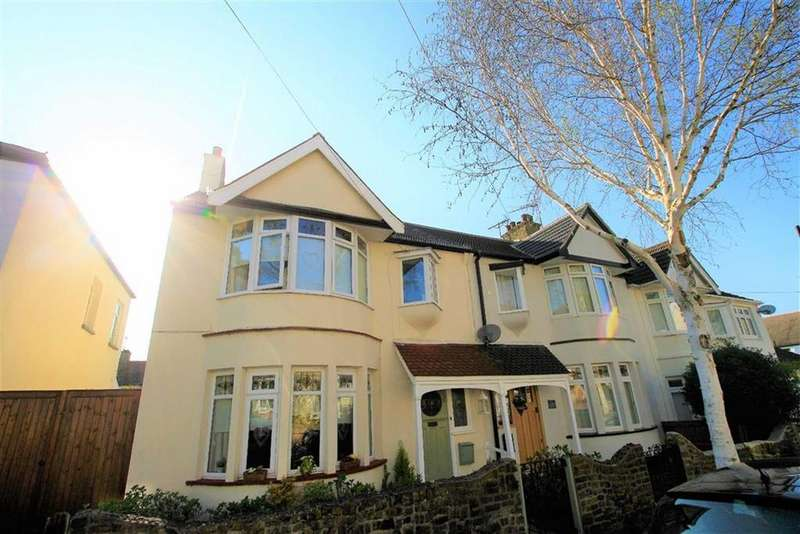 3 Bedrooms End Of Terrace House for sale in Victoria Drive, Leigh-On-Sea, Essex