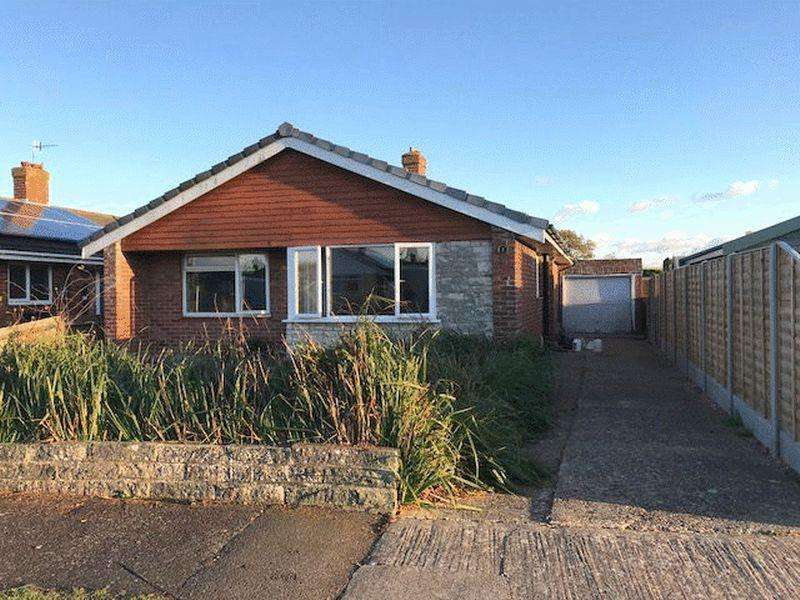 2 Bedrooms Detached Bungalow for sale in Ankerwyke, Gosport