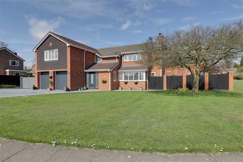 5 Bedrooms Detached House for sale in Tatton Drive, Sandbach