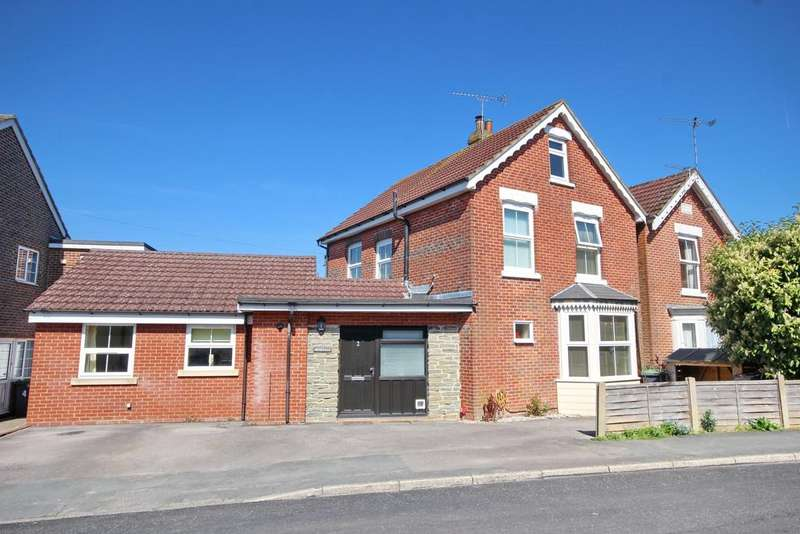 4 Bedrooms Detached House for sale in Waterlooville