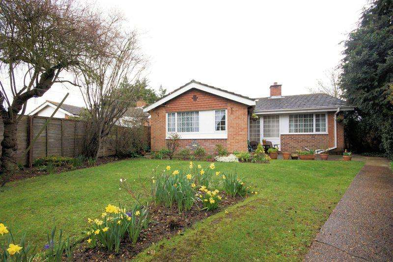 3 Bedrooms Detached Bungalow for sale in Keyhaven Close, Gosport