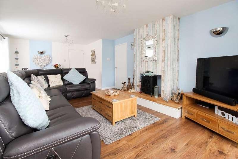 3 Bedrooms Detached Bungalow for sale in Ashley Lane, Killamarsh