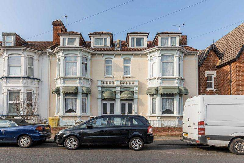 18 Bedrooms Semi Detached House for sale in St. Ronans Road, Southsea