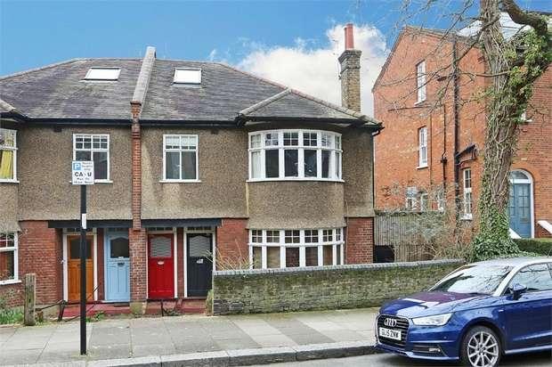 3 Bedrooms Flat for sale in Bramshill Gardens, London