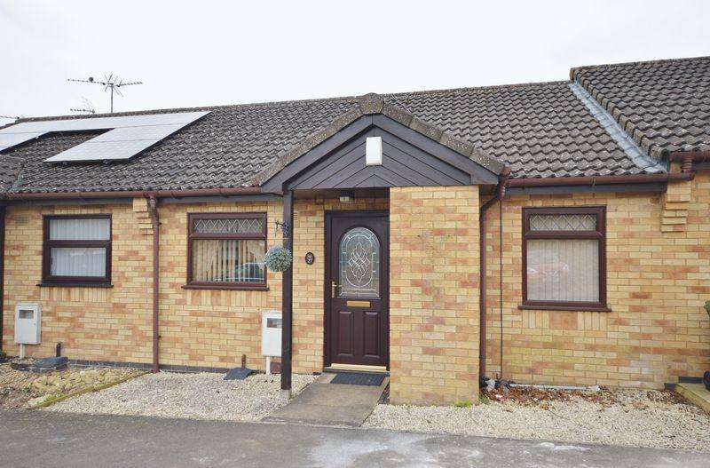 2 Bedrooms Bungalow for sale in Stadtpeine Close, Corby