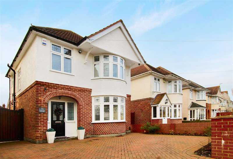 3 Bedrooms Detached House for sale in Broughton Avenue, Bournemouth