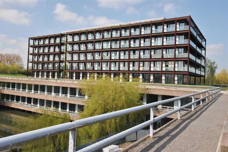 1 Bedroom House for sale in Lake Shore Drive, Bristol