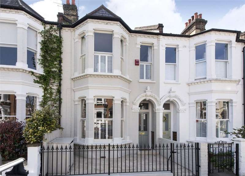 4 Bedrooms Terraced House for sale in Bassingham Road, Wandsworth, London, SW18