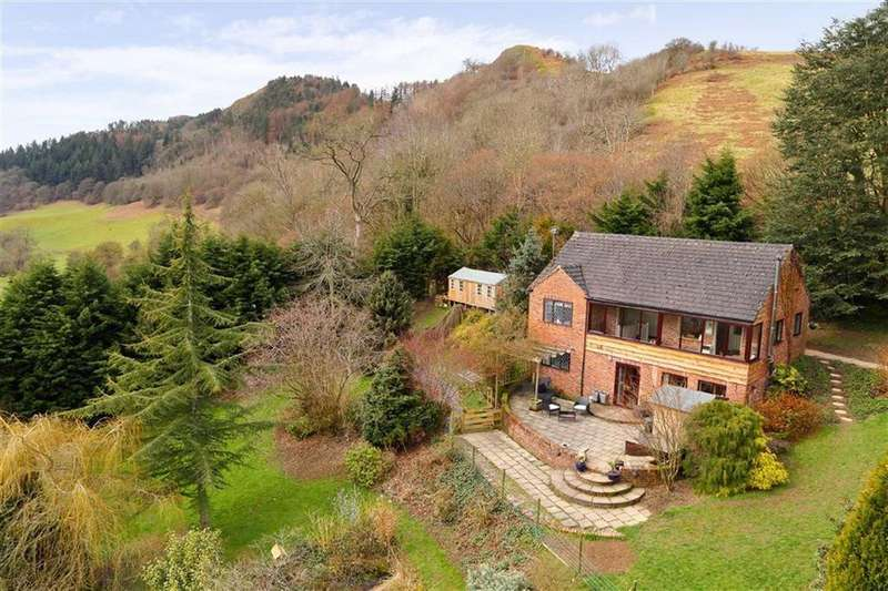 3 Bedrooms Country House Character Property for sale in Llanfyllin, SY22