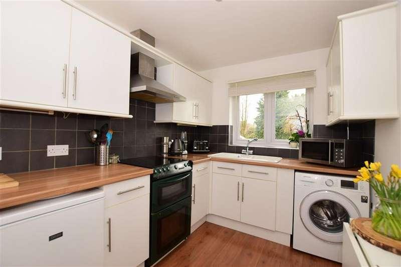 2 Bedrooms Terraced House for sale in Millfield Road, West Kingsdown, Sevenoaks, Kent