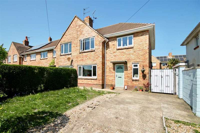 3 Bedrooms Semi Detached House for sale in Melbury Avenue, Poole