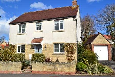 3 Bedrooms Detached House for sale in Wincanton, Somerset, BA9
