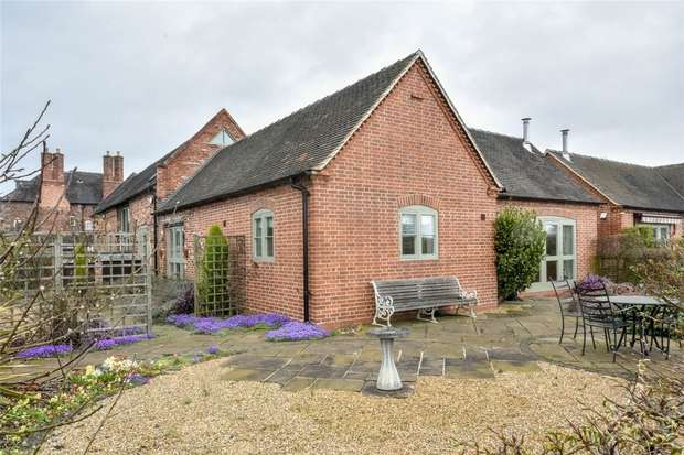 3 Bedrooms Mews House for sale in Pipe Hill House, Walsall Road, Lichfield, Staffordshire