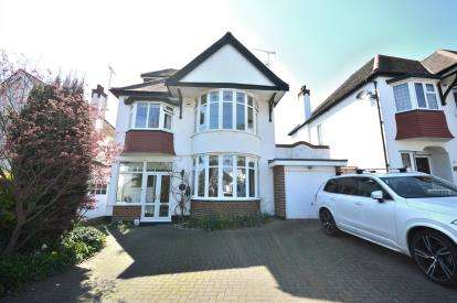 5 Bedrooms Detached House for sale in Chalkwell, Westcliff-On-Sea, Essex
