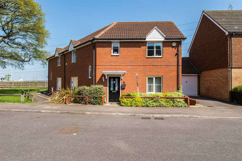 4 Bedrooms Semi Detached House for sale in Reams Way, Sittingbourne