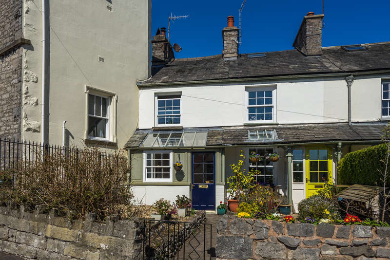 2 Bedrooms End Of Terrace House for sale in 5 Pear Tree Cottage, Bankfield Road, Kendal, Cumbria, LA9 4LA