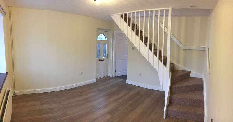 2 Bedrooms Semi Detached House for rent in Wood Road, Halewood, Liverpool, L26