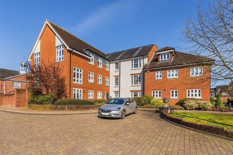 2 Bedrooms Flat for sale in Hewells Court, Horsham