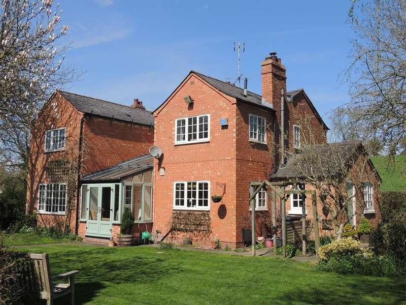 4 Bedrooms Detached House for sale in Old Warwick Road, Rowington