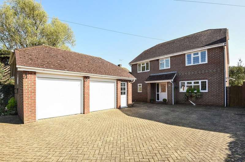 4 Bedrooms Detached House for sale in Middleton Road, Middleton on Sea, Bognor Regis, PO22