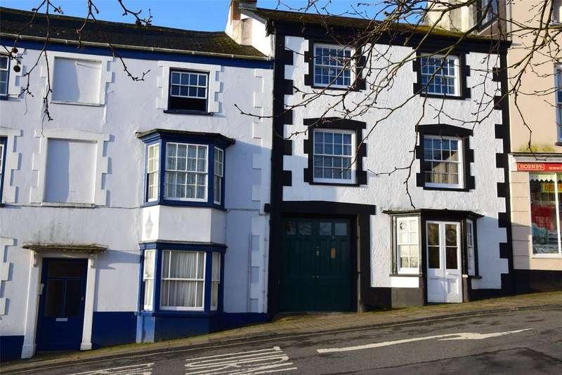 5 Bedrooms Terraced House for sale in Honestone Street, Bideford