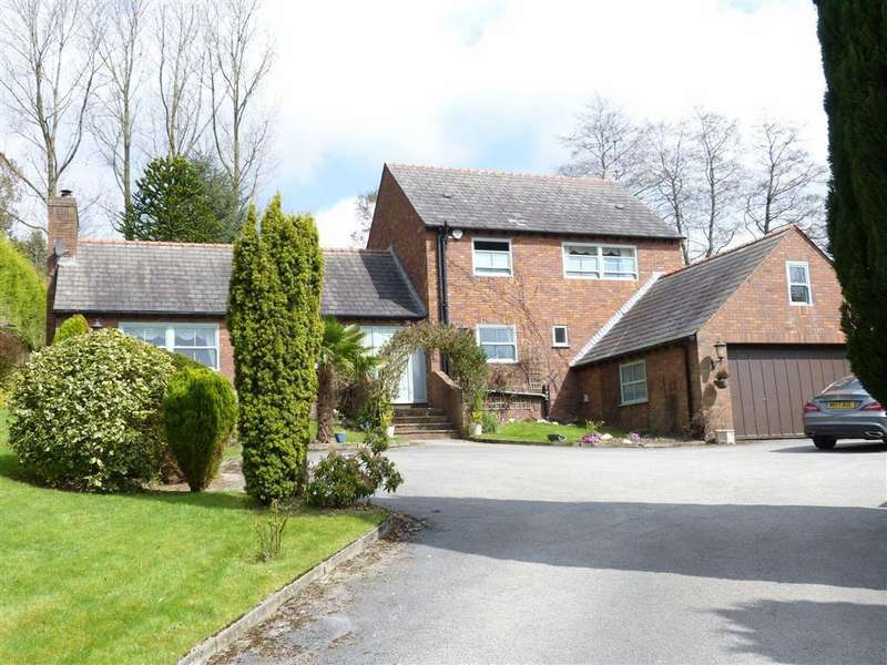 4 Bedrooms Detached House for sale in North Road, Glossop