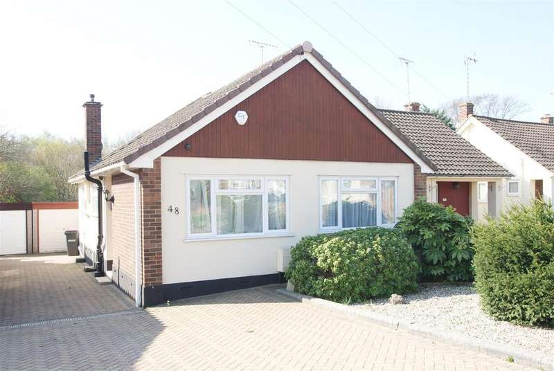 2 Bedrooms Semi Detached Bungalow for sale in Wyburns Avenue, Rayleigh