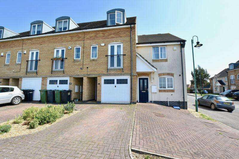 3 Bedrooms Terraced House for sale in Beaumont Way, Peterborough